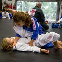 girls training bjj